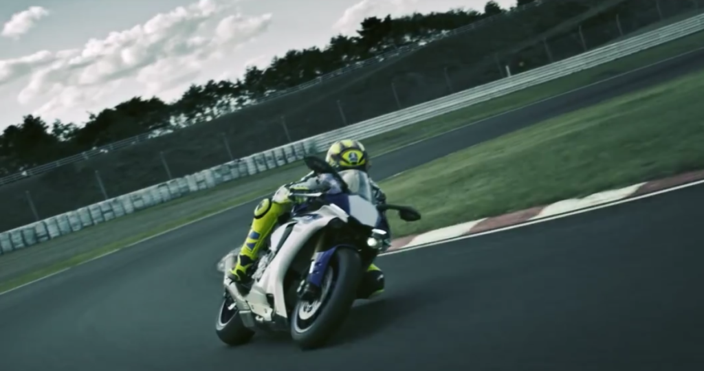 "SPOT TV - FR : ""Yamaha YZF R1"". Post production"